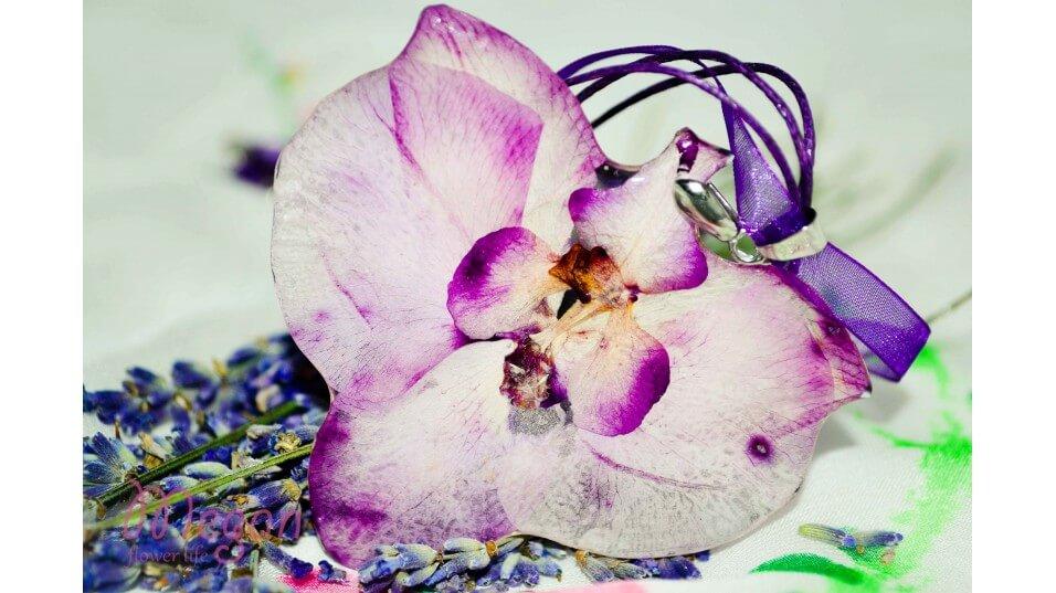 бижута от цветя