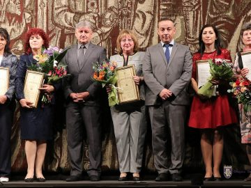 учител на годината Велико Търново